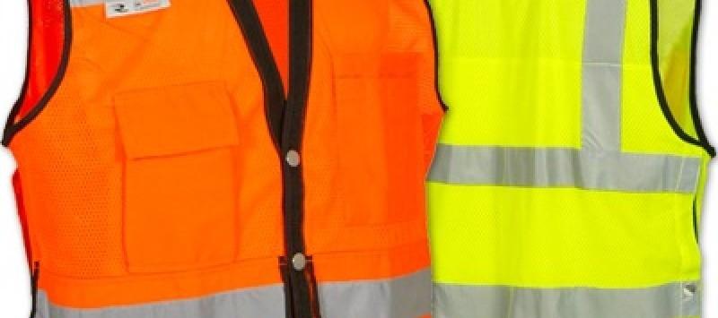 Kegunaan Safety Vest Dan Kepentingannya Dalam Area Kerja